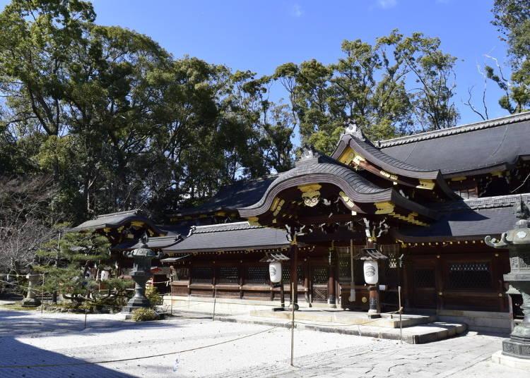 3 일본판 신데렐라를 연고로 한 인연 기원:이마미야 진자 신사(교토)