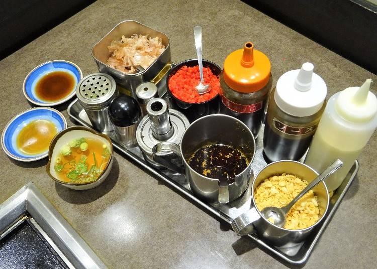 ステップ3:ソースや薬味で好みの味にカスタマイズ