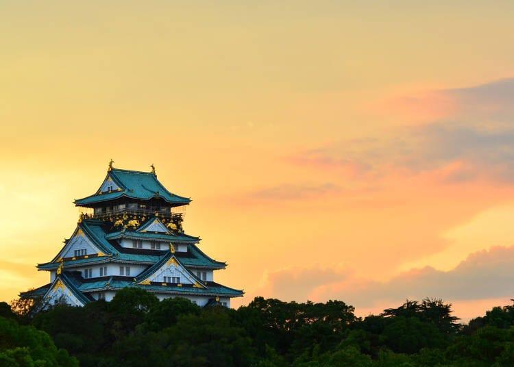大阪夏天必玩8.在夕陽西下時從「大阪城」的展望台俯視整個大阪