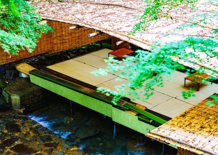 京都夏天行程必做8. 在「貴船川床」上乘涼,享受河面吹來的涼風