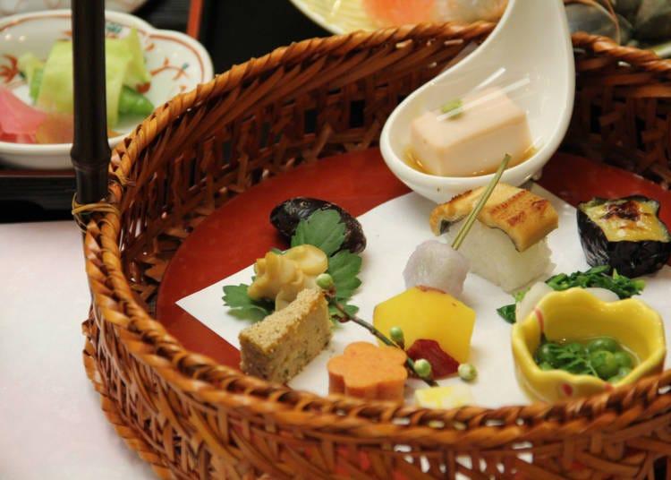 Q.本格的な和食を食べるならどっち?