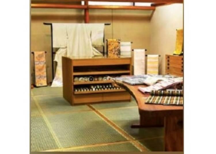 京都免費景點⑤【今出川】欣賞華麗的和服表演「西陣織會館」