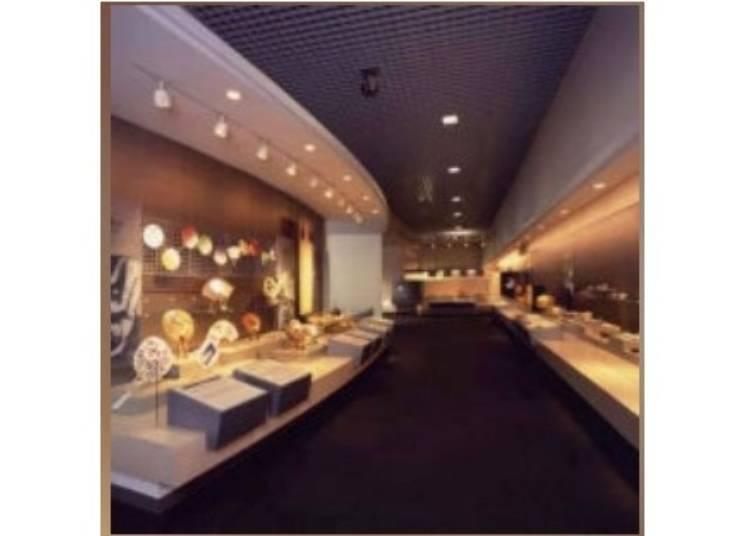 京都免費景點⑥【岡崎】不可錯過「京都傳統工藝博物館」製作傳統工藝品的現場表演