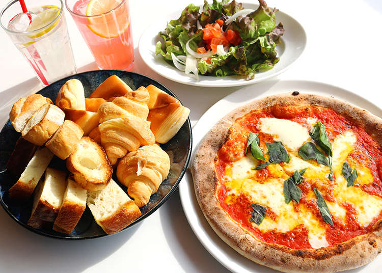Lunch And a View For 580 yen!? Weekday Pizza Lunch with Endless Bread in Umeda, Osaka