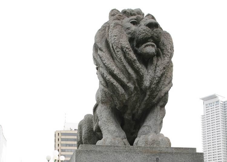 26.4体のライオンの像が目印の「難波橋」