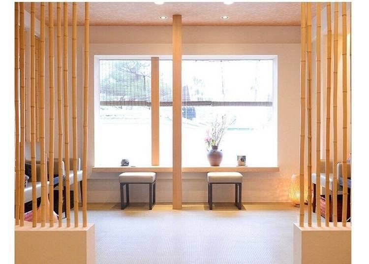 15. Arashiyu: A Relaxing Foot Bath Right Out of a Fairytale