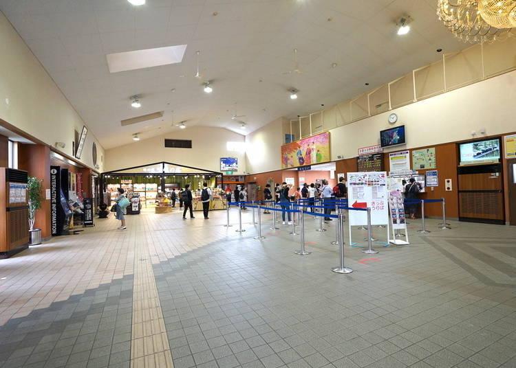 嵐山小火車的「小火車嵯峨站」內有些什麼呢?