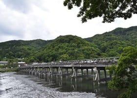 京都・嵐山「渡月橋」周辺の見どころ&とことん楽しむ方法