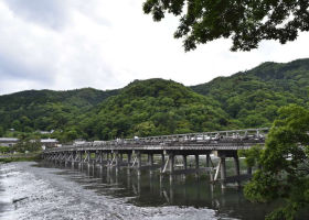 Togetsukyo Bridge: Tips for Visiting Kyoto Arashiyama's Iconic Symbol!