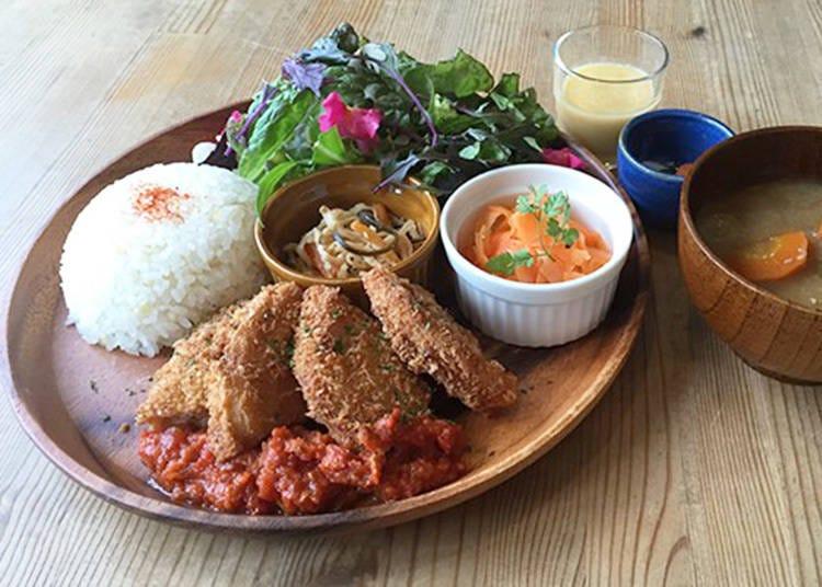 1.食材と栄養にこだわったオーガニックランチなら!「musubi-cafe嵐山店」