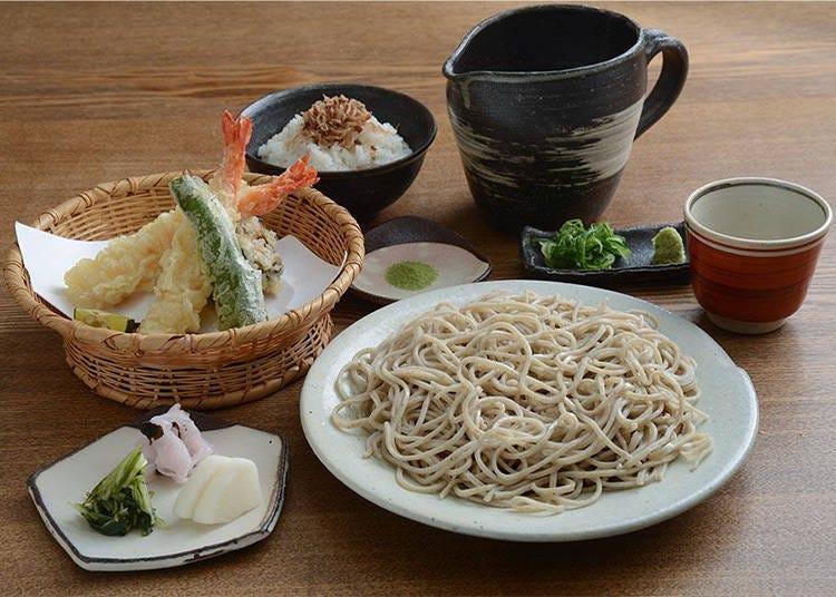 3. 도게쓰교 다리를 바라보며 일품 소바를 먹을 수 있는 '아라시야마 요시무라'