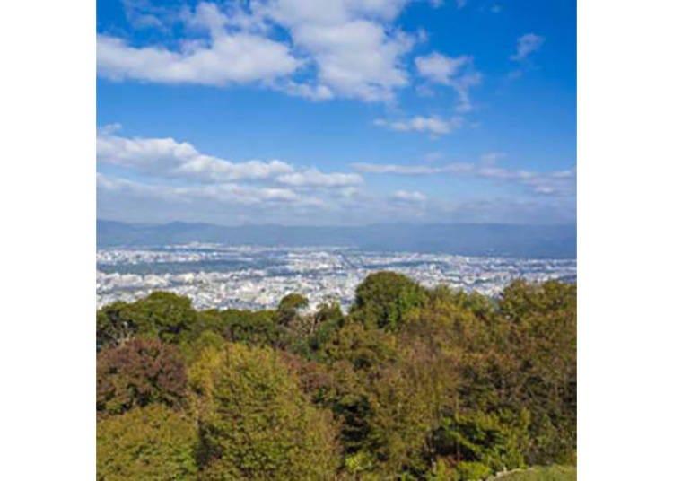 【将軍塚青龍殿】大舞台から京都市街が一望できる