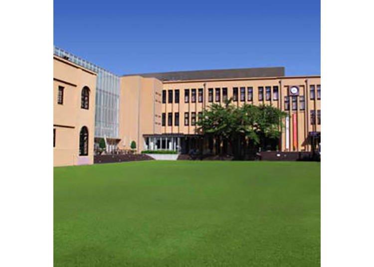 【京都国際マンガミュージアム】元小学校に世界中のマンガが大集合