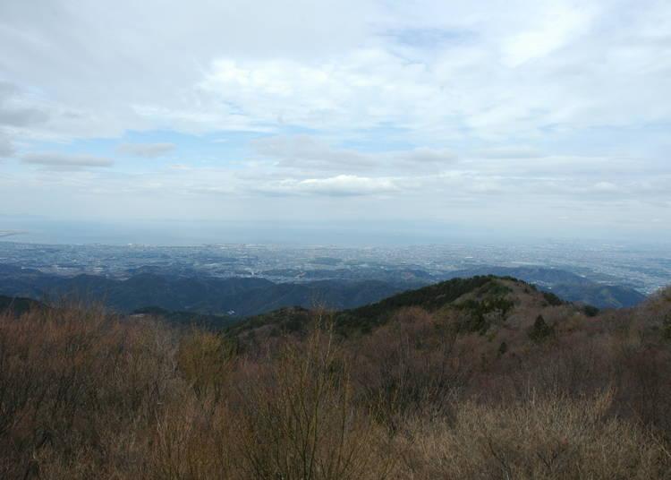 6. Mount Izumi Katsuragi: Mountain Climbing, Forest Bathing, and a Magnificent Landscape