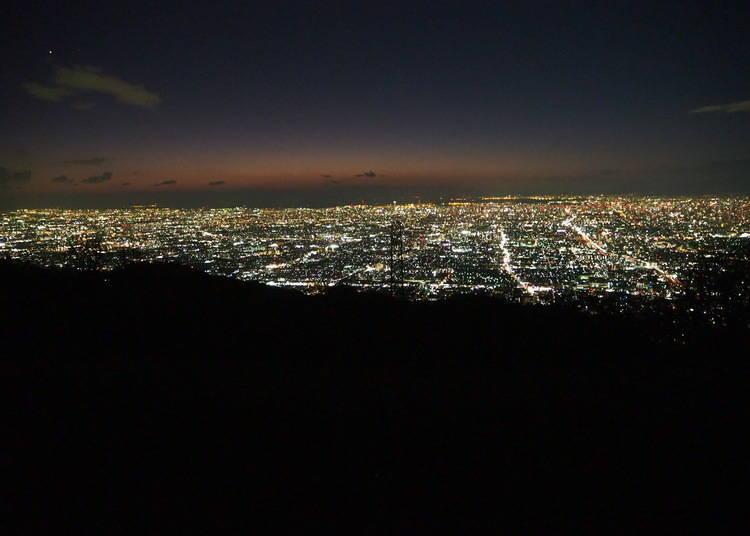 大阪夜景⑤「信貴生駒SKYLINE」網羅大阪和奈良,美麗夜景無邊際