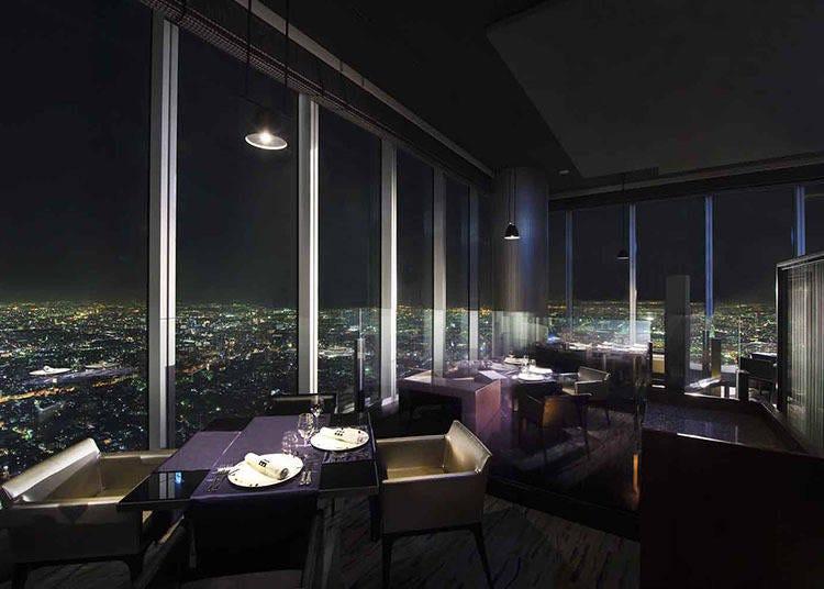 3.通天閣から大阪城まで!席によって違う景色が楽しめるレストラン「ZK」