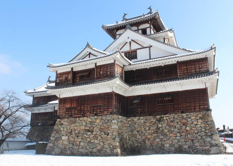 4.雪化粧の天守閣は見事!明智光秀ゆかりの「福知山城」