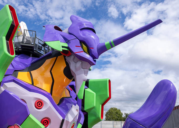 Ride in the Palm of a Giant, 15-meter Tall Eva!