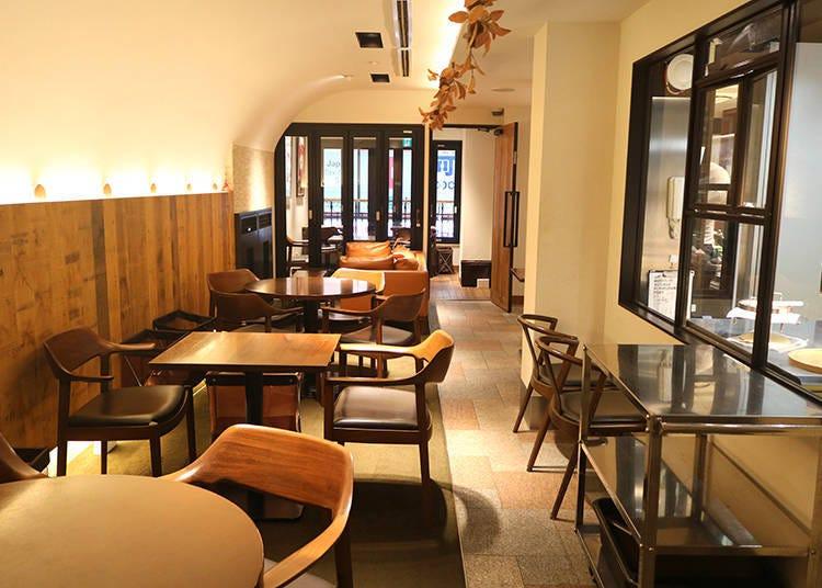 갓 구운 치즈케이크를 먹을 수 있는 카페룸 '리쿠카페 ROOM'