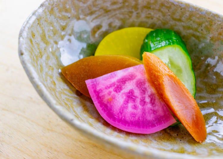 8) 밥과 고노모노 (香の物)