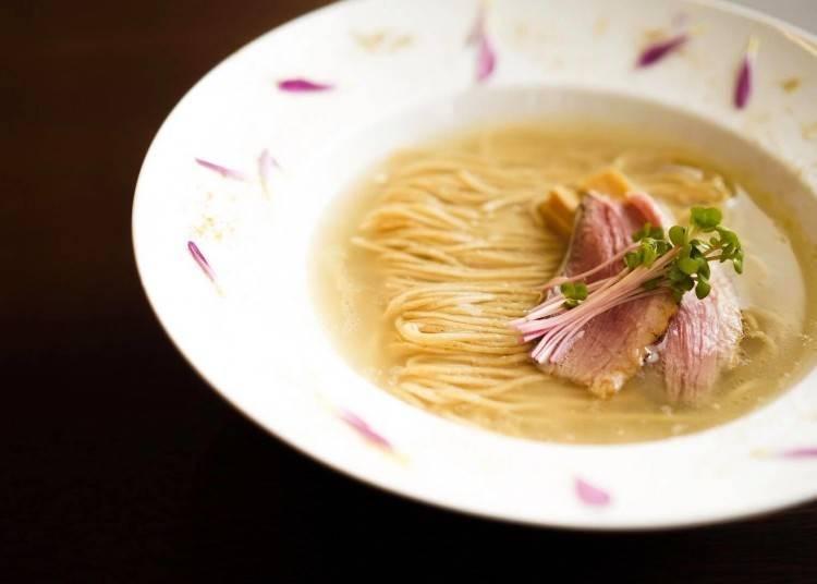 鸭肉的美味、自家制面以及山椒全部合为一体