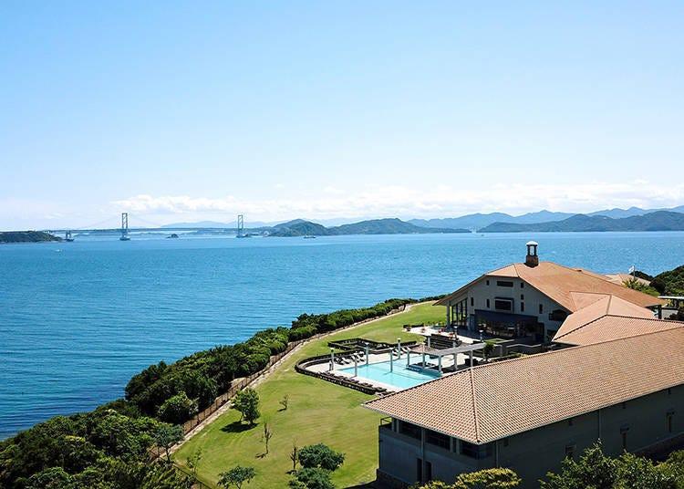4. 천혜의 자연과 나루토 해협의 웅장한 뷰를 즐길 수 있는 해변의 리조트 호텔 '호텔 아나가'