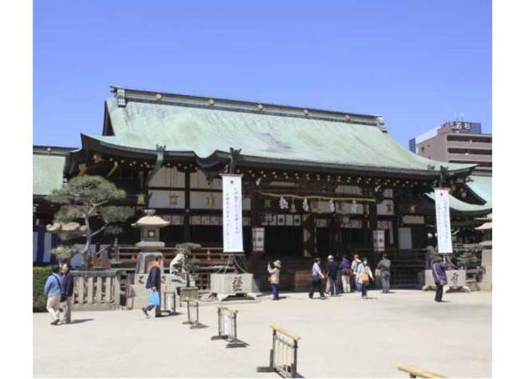 2. Osaka Temmangu: Dedicated to Sugawara no Michizane, the God of Scholarship