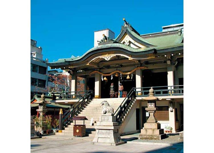 6.都会の街中に佇む荘厳な雰囲気の「難波神社」