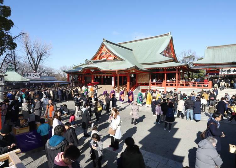 7.年間20万台の祈祷車が訪れる「成田山不動尊」