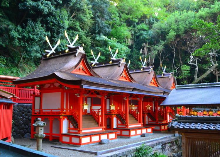 8.都心から電車で約10分!自然豊かな「枚岡(ひらおか)神社」