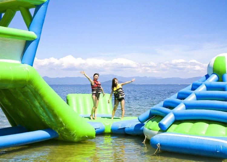 8. Water games at Lake Biwa's Adventure Water Park (Shirahige Beach) (Shiga)