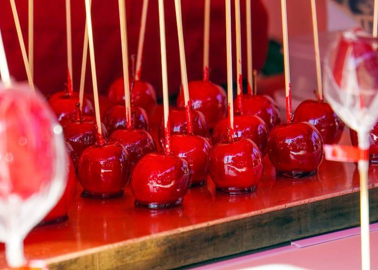 6.甘酸っぱさがクセになる「リンゴ飴」