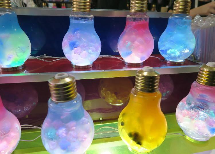 2.ピカピカ光る電球がインパクト大な「電球ソーダ」