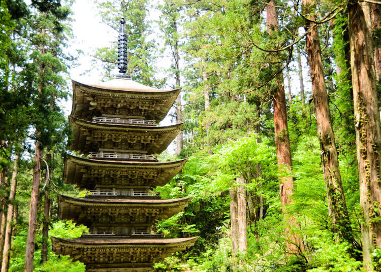 2. Walk the mysterious approach to Mount Haguro