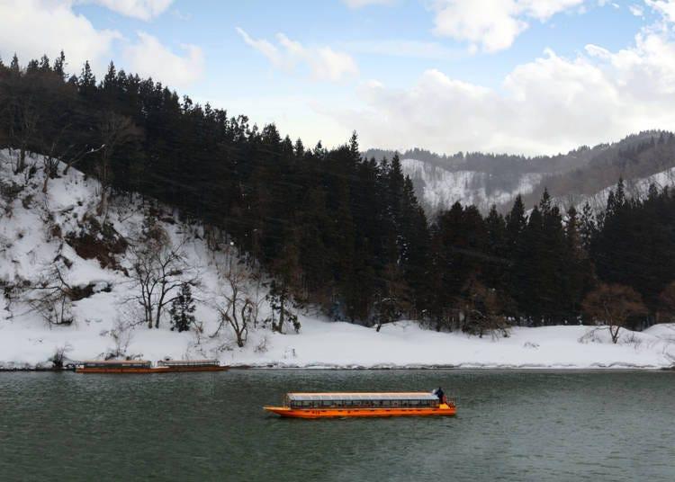 3:最上川で舟下りを体験する