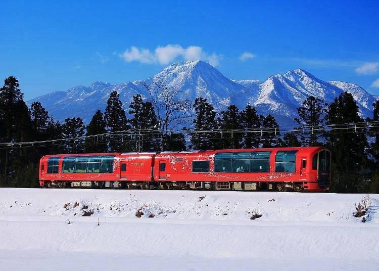 13. Enjoy a train ride on the Echigo TOKImeki Resort Setsugekka