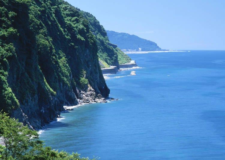 18. Oyashirazu and Koshirazu Beaches