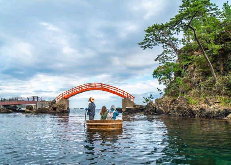 3.佐渡島でたらい舟に乗る