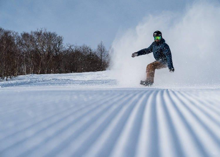 在「安比高原滑雪场」的长距离滑道上享受最优的雪质