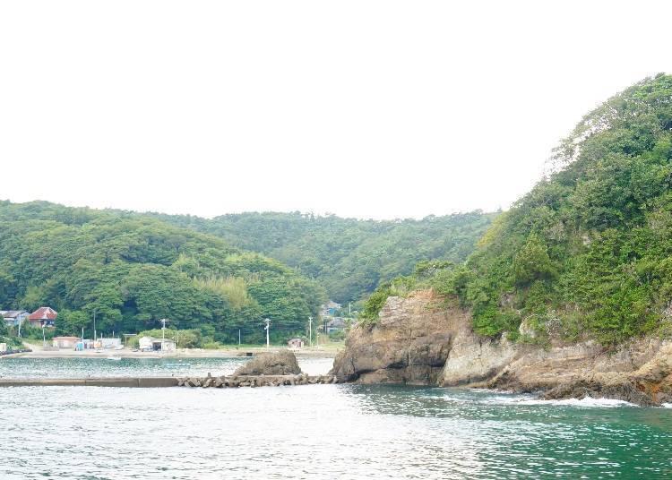 What kind of place is Tashirojima?