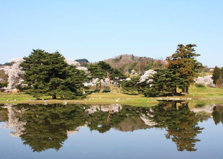 '金鶏山, 긴케이잔'이 내다보이는 '無量光院跡, 무량광원 터'