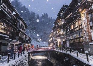 ノスタルジックな町並みが人気の「銀山温泉」、冬にこそ訪れるべき理由とは?