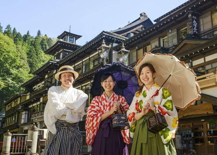 Walk Around Ginzan Onsen in a Rental Kimono
