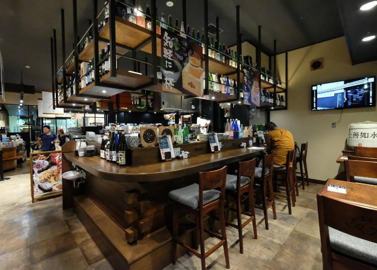 有各種新潟的酒與伴手禮的清酒博物館「PONSHU館」