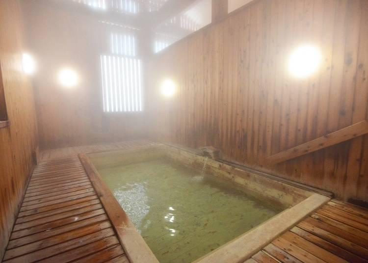 気軽に利用できる共同浴場で湯浴み(所要時間:約1時間)