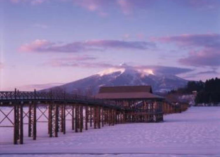 5. Tsurunomai Bridge (Aomori Prefecture)