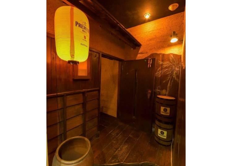 隠れ家風ロフトで日本酒を楽しむ