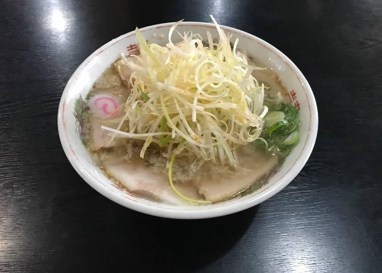 1)Kitakata Ramen Ippei: Unique Seabura Chacha-kei Ramen