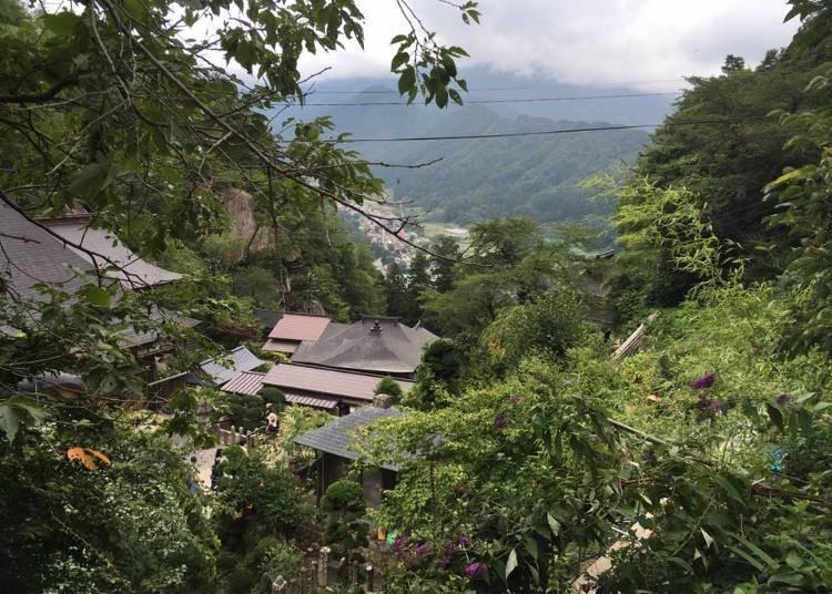 4.릿샤쿠지 立石寺(야마가타현 山形県)