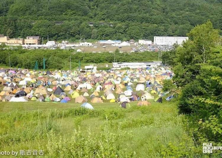 공략 포인트5: 잠은 어디서 잘까? 캠프 or 숙박시설